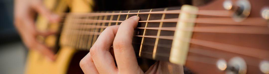 Guitare moderne, classique et basse